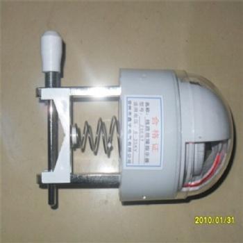晋州鑫宇四合一架空型线路故障指示器接地短路翻牌发光故障指示仪