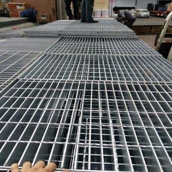 热镀锌钢格栅板,载重钢格栅板,六盘水钢格栅板
