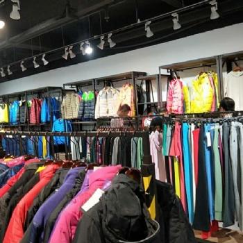 寻找品牌折扣店女装品牌货源我推荐世通服饰