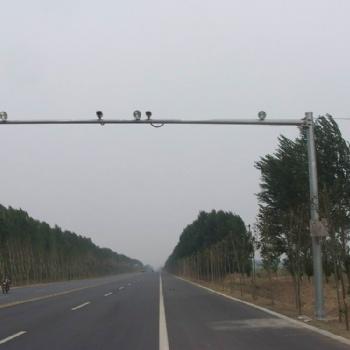 沈阳电警杆,监控杆,八棱杆,——沈阳圣泽丰交通设施