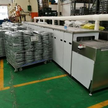 苏州洗衣机镀锌板部件除油链网通过式喷淋清洗机定做
