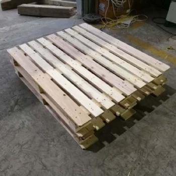 青岛出口货物托盘物流周转用 黄岛豪盟常年加工木质卡板送货