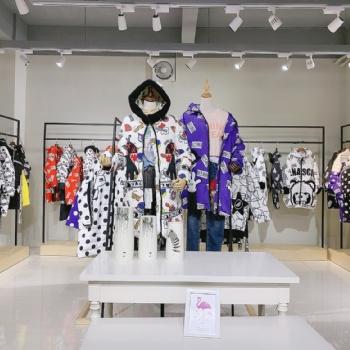 北京专柜品牌瑞塔RUITA时尚潮流女装货源 直播女装实体拿货渠道 工厂羽绒服便宜批发