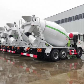 搅拌车厂家供应江苏南通航天万山6X2小三轴8方水泥搅拌车
