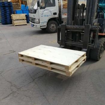 青岛木托盘销售电话 化工品木质托盘款式定制四面进叉可摞高