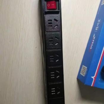 机柜专用PDU插座新国标五孔带双断开关