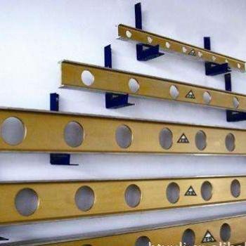 优质量铝镁合金平尺。