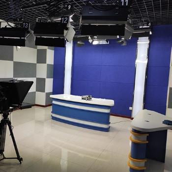 个人直播室装修 小型演播室竖屏直播专用设备