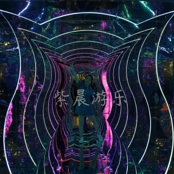 镜子迷宫鬼屋网红小屋设计方案