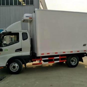 4.1米重汽豪沃冷藏汽车